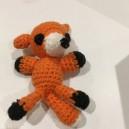 Mini peluche pour bébé en laine  fabriqué par nos tricoteuses du mardi