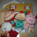 Marionnettes à doigt et décor ferme